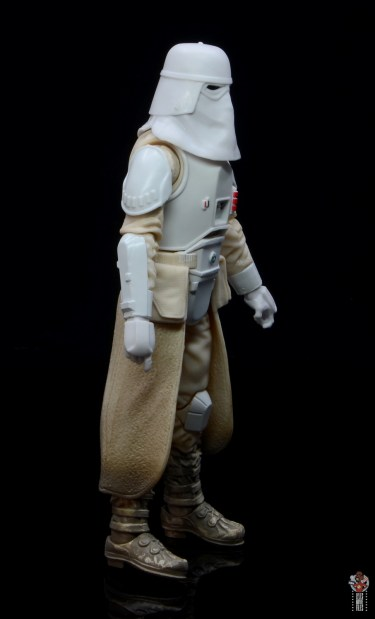 star-wars-the-black-series-imperial-snowtrooper-figure-review-right-side