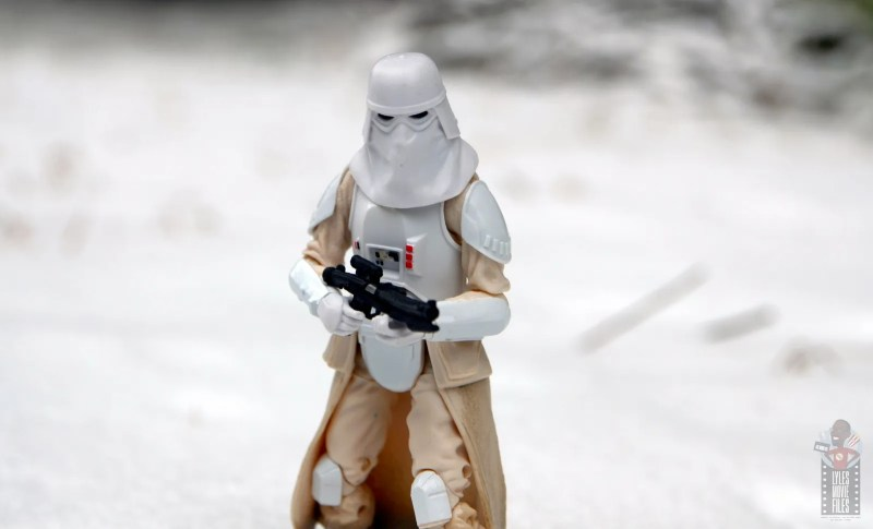 star-wars-the-black-series-imperial-snowtrooper-figure-review-wide-shot