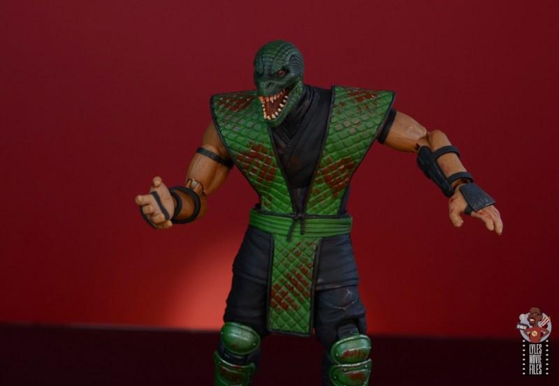 storm collectibles mortal kombat reptile figure review - chop hands reptile head