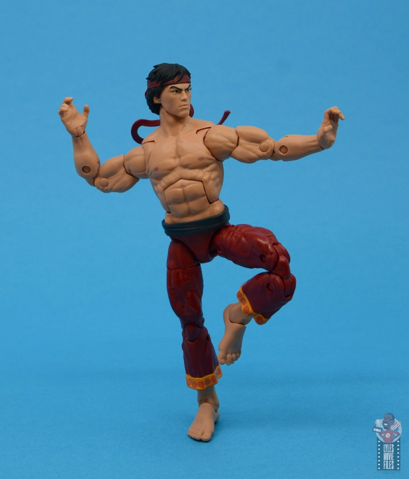 marvel-legends-shang-chi-figure-review-balancing