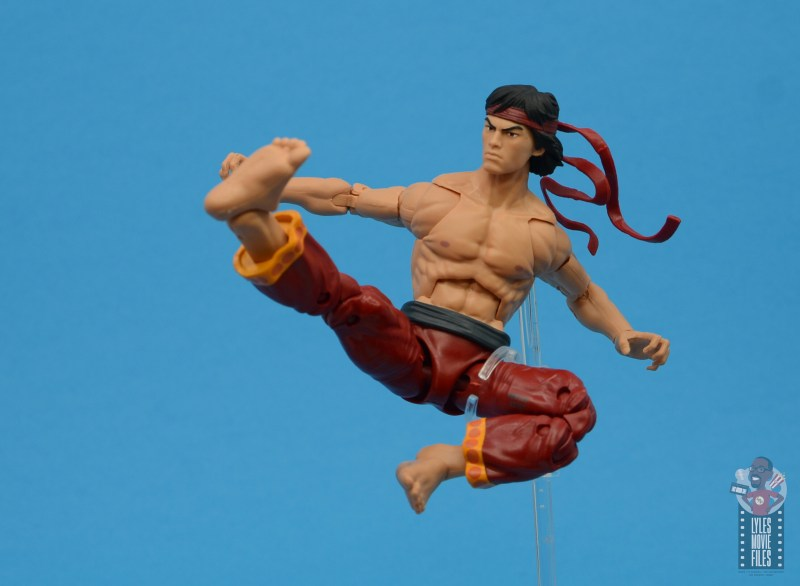 marvel-legends-shang-chi-figure-review-jump-kick