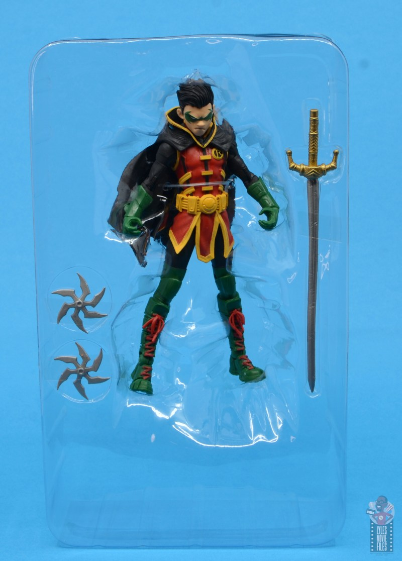mcfarlane-toys-robin-figure-review-accessories-in-tray
