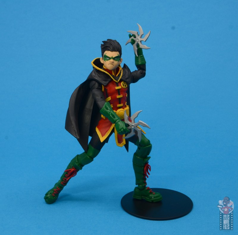 mcfarlane-toys-robin-figure-review-bringing-out-throwing-stars