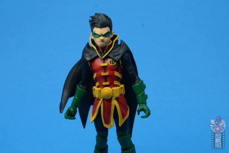 mcfarlane-toys-robin-figure-review-wide-shot