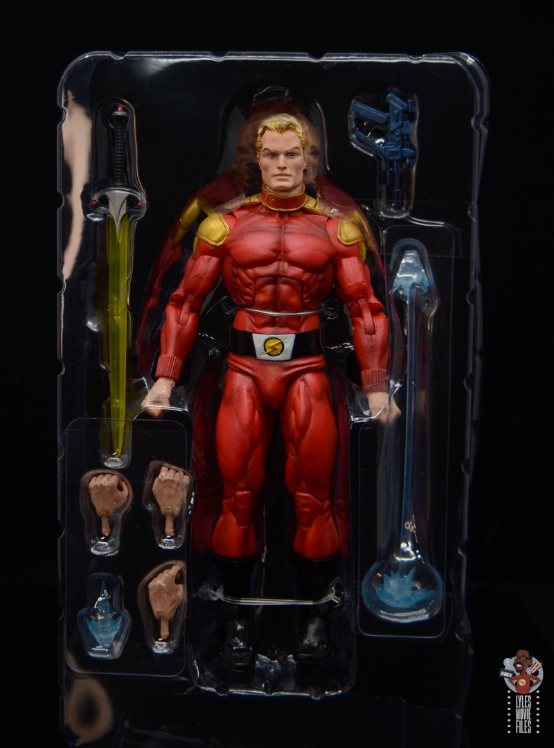 neca defenders of the earth flash gordon figure review - accessories in tray