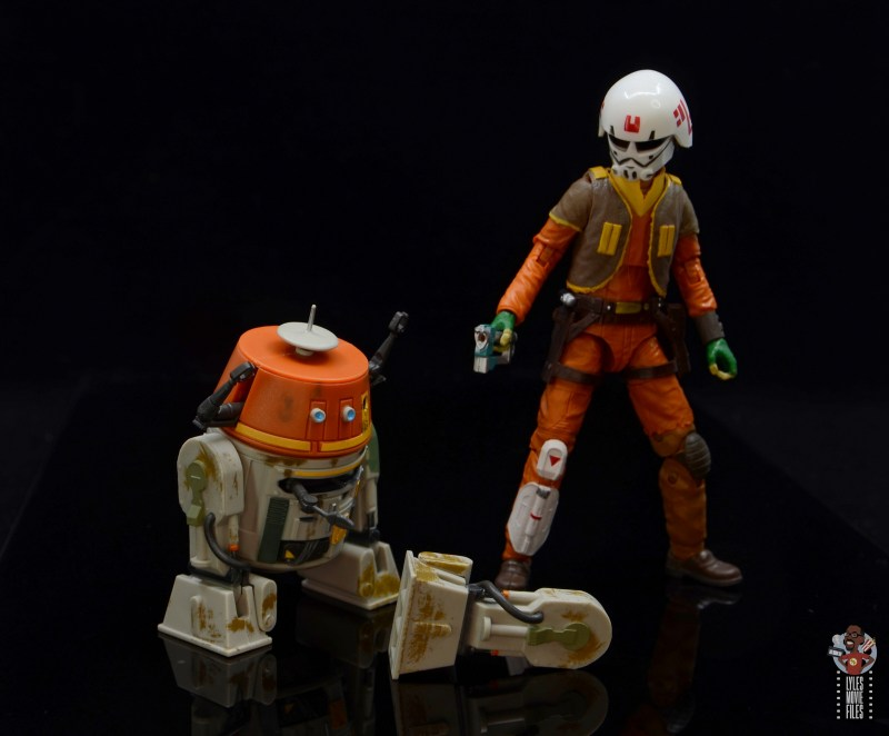 star-wars-the-black-series-chopper-figure-review-checking-out-third-leg-with-ezra