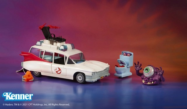 Kenner Classics Real Ghostbusters Ecto-1 and Ghosts