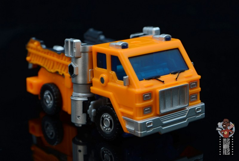 transformers kingdom war for cybertron huffer figure review - full truck right side