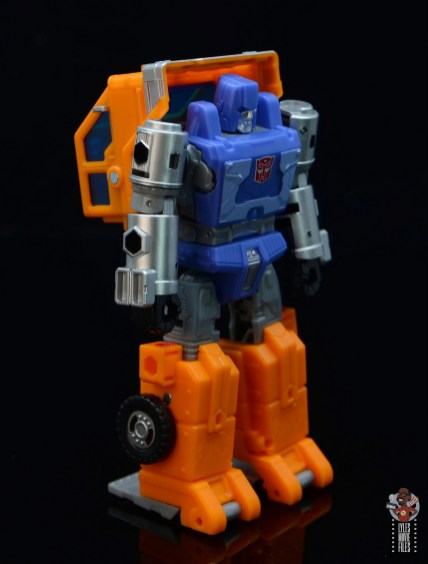 transformers kingdom war for cybertron huffer figure review - right side