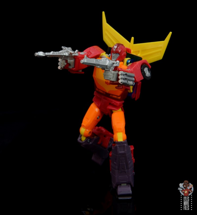 transformers studio series 86 hot rod review - aiming blasters