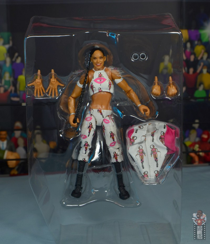 wwe elite bianca belair review - accessories in tray