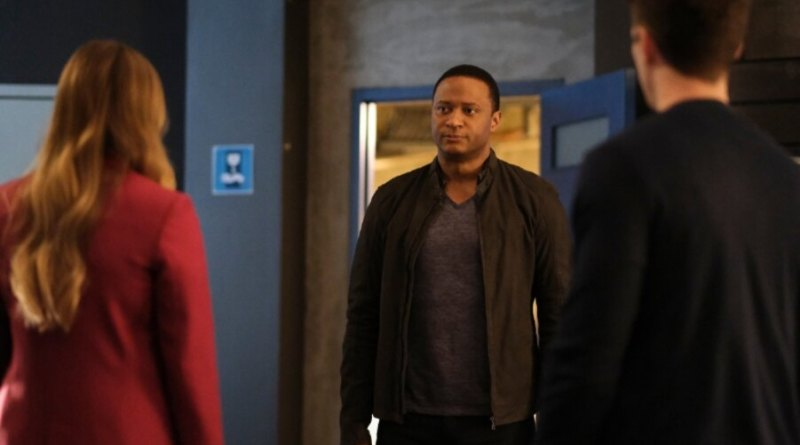 the flash pow review - caitlin, diggle and barry