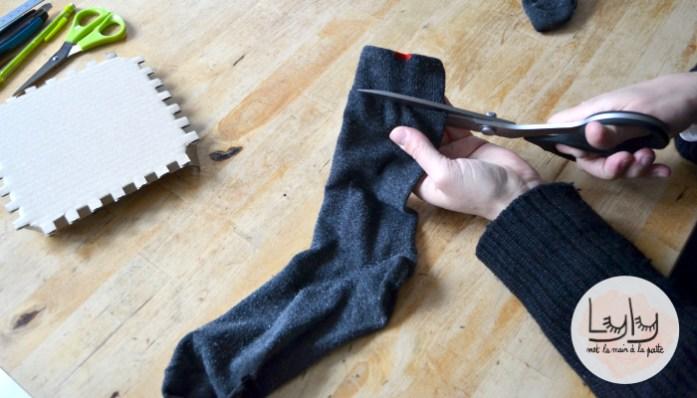 DIY : créer une éponge japonaise tawashi sans clou ni bois, tuto pour recycler de vieilles chaussettes à faire avec les enfants !