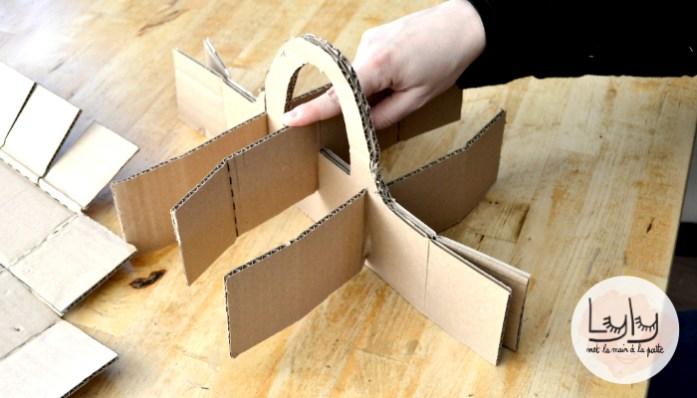DIY : fabriquez un panier compartimenté en carton, un tuto à réaliser avec les enfants