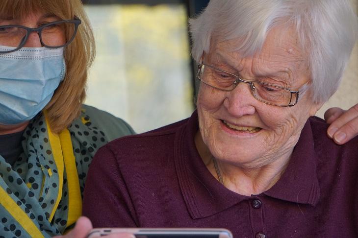 Infectolab - elderly people