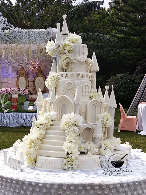lynaconcepts.com_Castle_Wedding_Cake_03