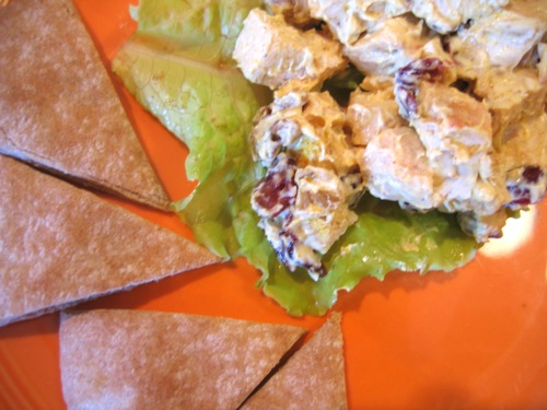 Curry chicken salad with pita wedges