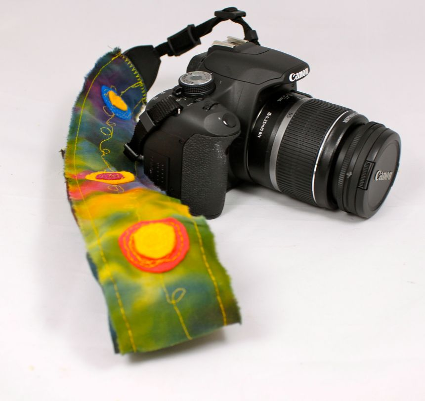 My new camera strap inspired by this Institches issue.
