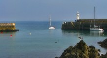 Mevagissey inner harbour to the outer harbour on Mevagissey Bay - English Channel
