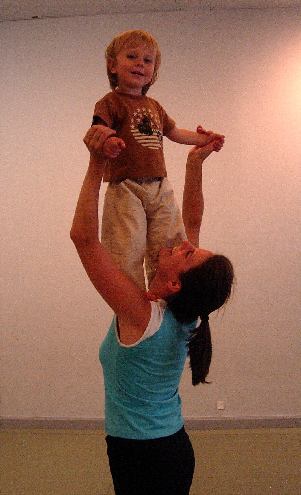 Toss Your Toddler dance class