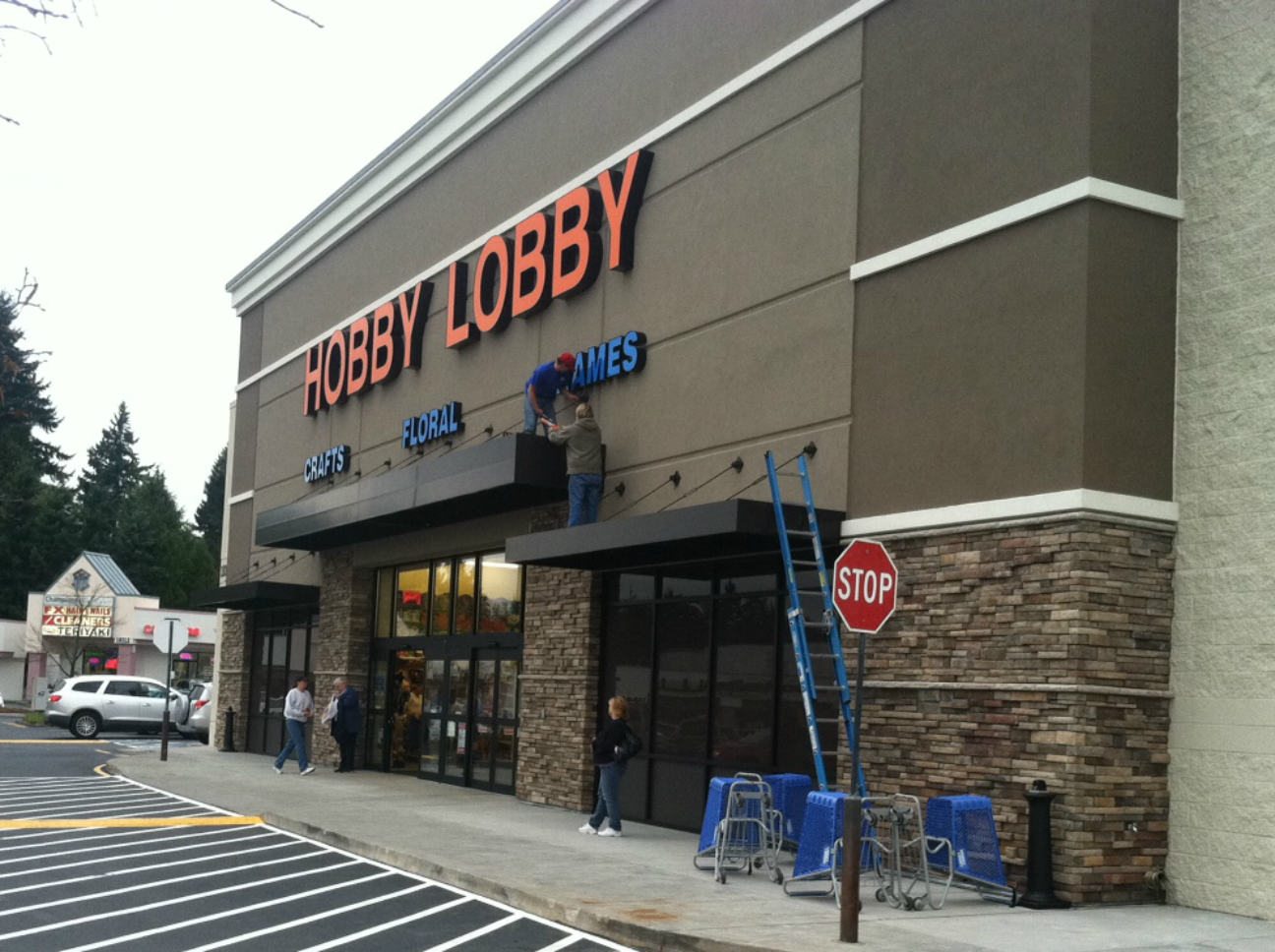 Hobby Lobby now open for business - Lynnwood Today on Hobby Lobby id=14568