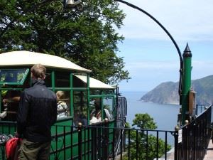 must-do-cliff-railway