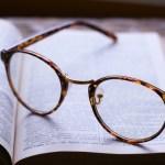 メガネがずれる原因は?ずり落ち防止法や鼻パッドのズレは?