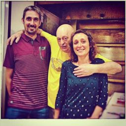 Luc Mano et les gérants de la nouvelle boulangerie crédit photo: Antoinette Pain et Brioche