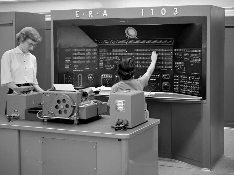Crédit image : Un ordinateur E.R.A./Univac 1103 dans les années 1950. *Hum Images/Alamy*