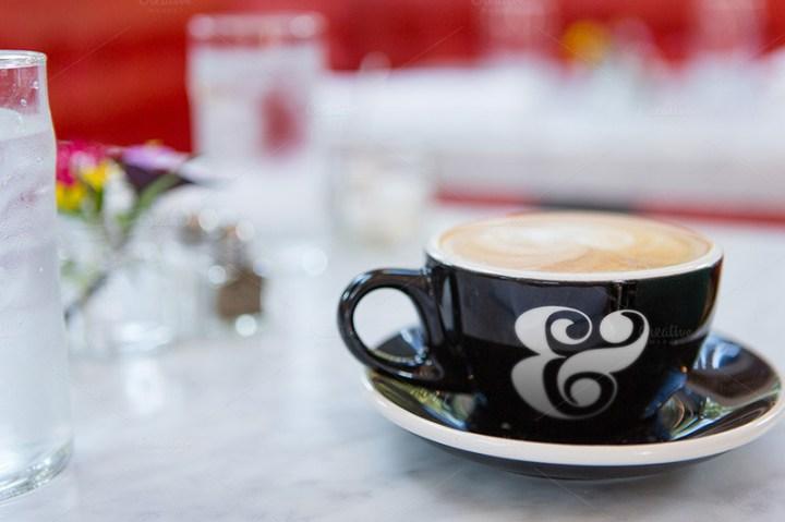 latest premium coffee cup mockup psd