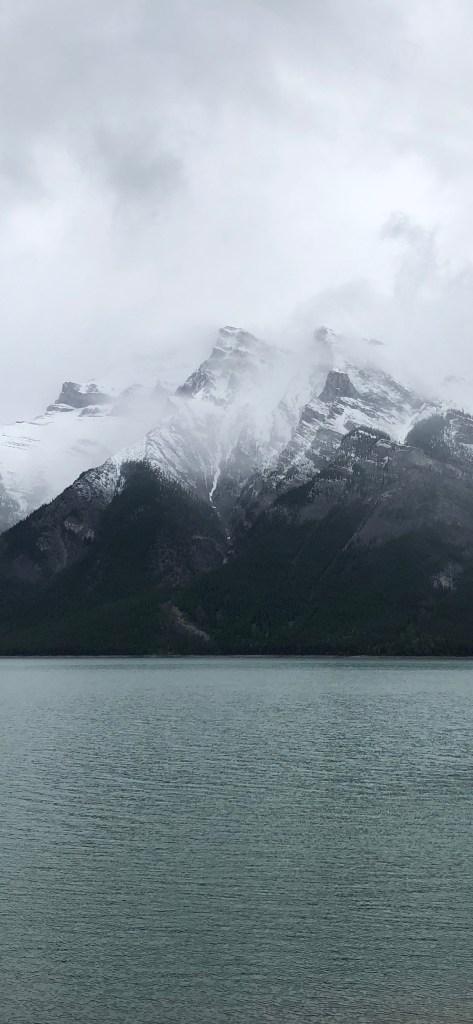 Iphone Xr Wallpaper Mountains