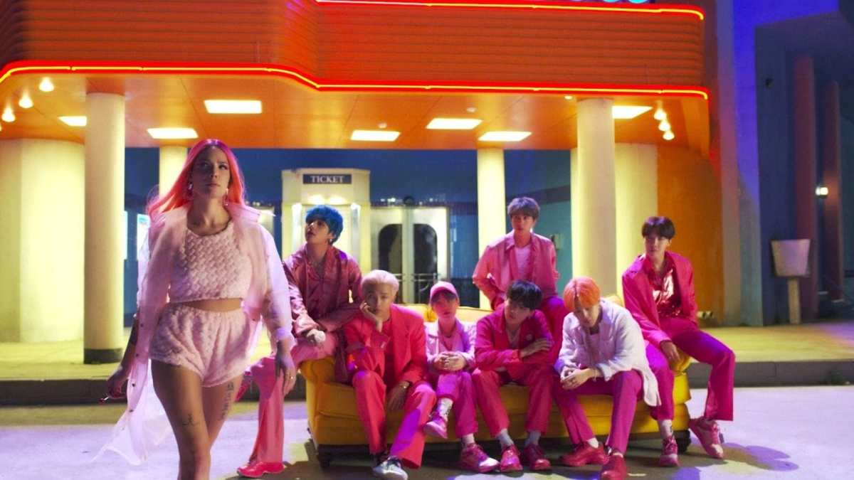 BTS feat. Halsey – Boy With Luv Lyrics