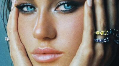 Claudia Valentina - Obsessed Lyrics