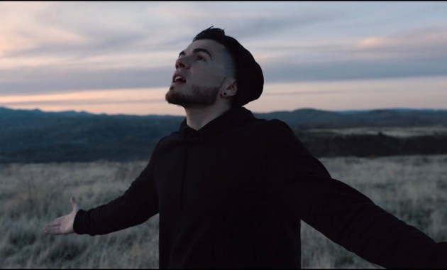 Sik World - God I'm Feeling Low Lyrics