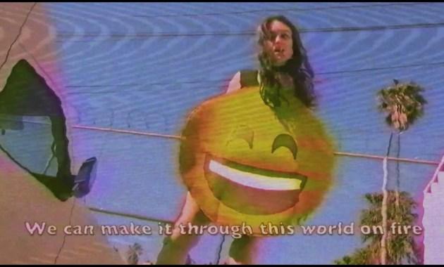 Terror Jr - Smile Like That Lyrics