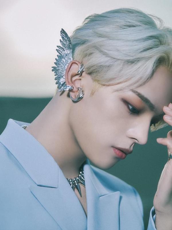 Kim Woojin (김우진) - The moment 未成年, a minor Lyrics, Tracklist