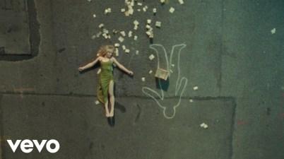 Sabrina Carpenter - Skinny Dipping Lyrics