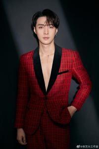 Lay (EXO) (레이 || Lay Zhang || Zhang Yixing (張藝興))の歌詞 - JA