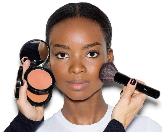 Best Bronzers For Dark And Deep Skin Tones - Lysa Magazine how to apply bronzer