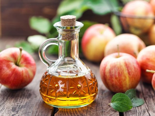 Beauty Hacks | Drink Your Way to Clear Skin - Lysa Magazine Apple cider vinegar