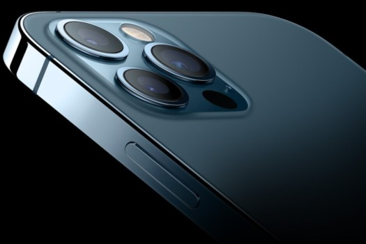 """Analyst Ming-Chi Kuo says that Apple's mixed reality headset will cost as much as a high-end iPhone - Kuo: Apple's mixed reality device to include """"innovative biometrics"""""""