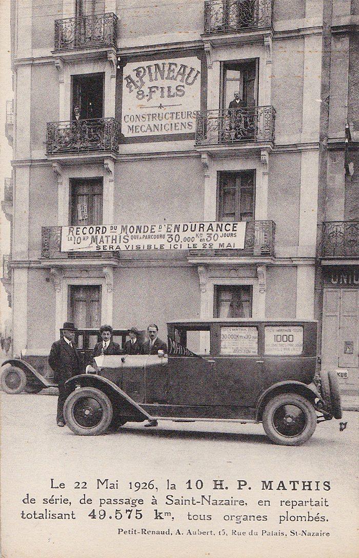 Le 17 Mai 1926, la 10 H.P. MATHIS de série, de passage à Saint-Nazaire, en repartait totalisant 49.575 km, tous organes plombés.