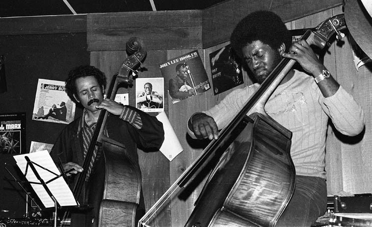 Roberto Miranda & Stanley Carter -- John Carter Ensemble -- June 21, 1976 at The Speakeasy (not Southerland Lounge West as the neon signs says in some of these photos) on Santa Monica Blvd, just west of LaCienega) -- I believe this venue was a showcase for VeeJay Records -- photo by Mark Weber