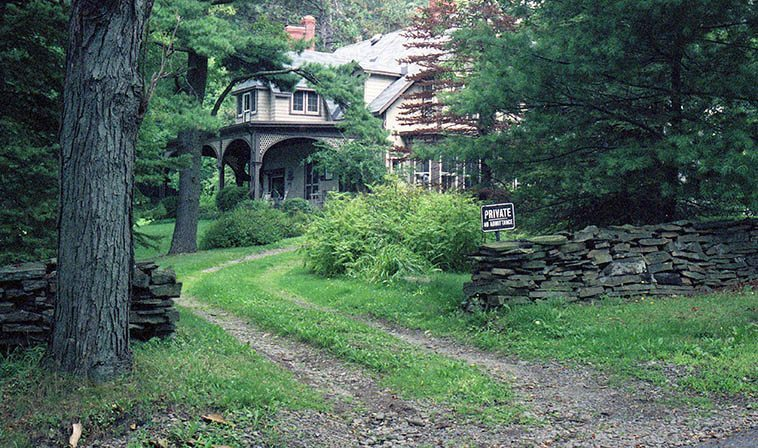"""Quarry Farm, summer home of Mark Twain the man who wrote """"The difference between the right word and the almost right word is the difference between lightning and the lightning bug"""" -- photo by Mark Weber, August 29, 1996 Elmira, upstate New York (my wife Janet's hometown)"""