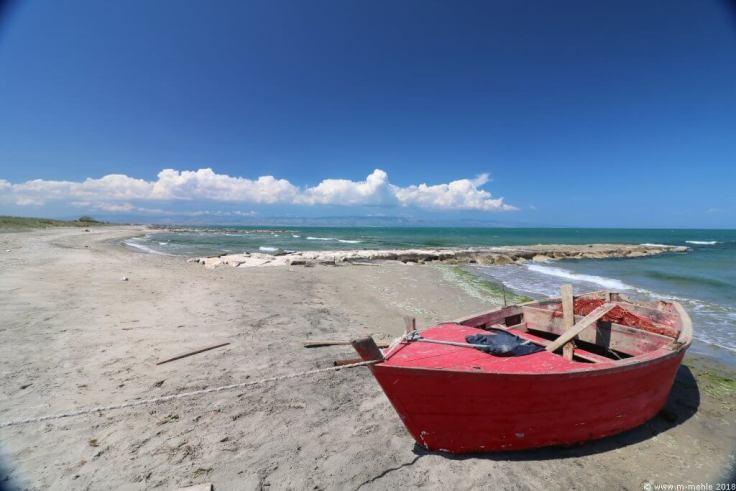 Boot am Strand von Zapponeta