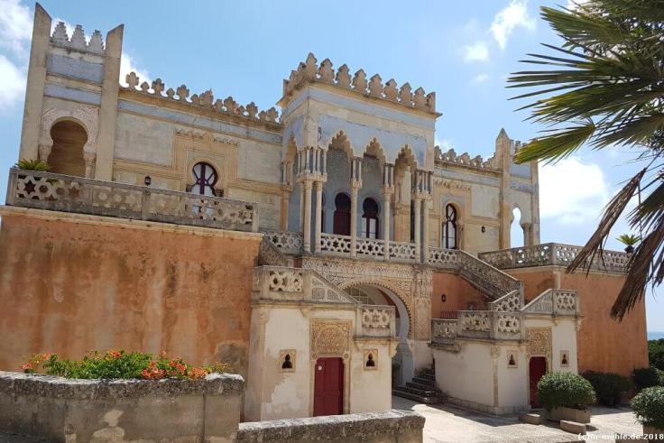 Fassade der Villa Sticchi
