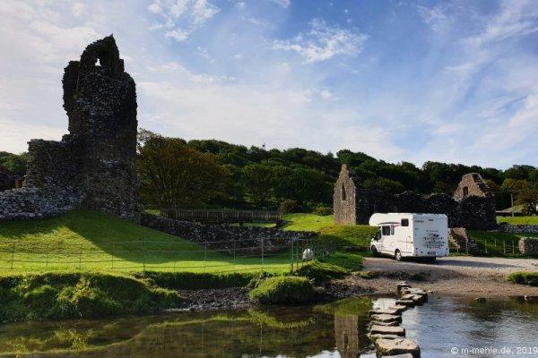 Blick auf die Ruine von Ormore Castle