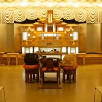大ホールの祭壇