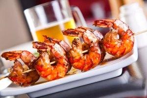brochette-de-crevettes caramélisés-plancha