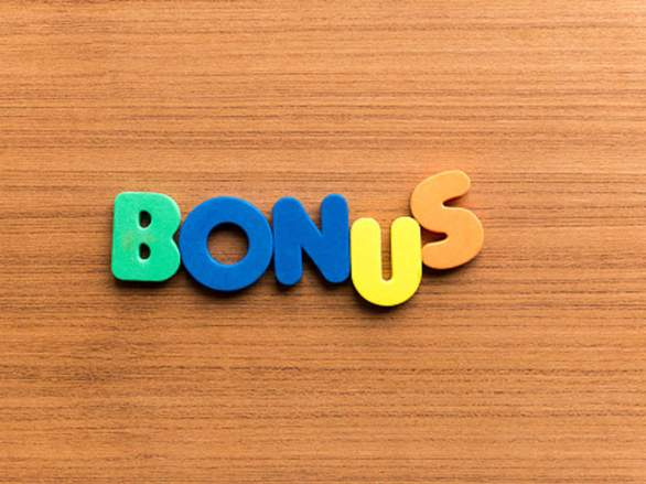 Accenture gives bonuses to a large part of its staff - The Economic Times